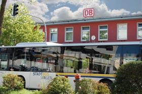 Impressionen Bahnhof mit Stadtbus