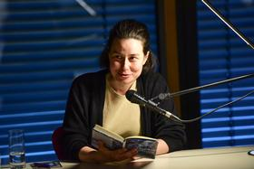 2018 - April: Erzählzeit mit Yael Inokai