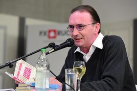 2017 - April: Erzählzeit mit Gerhard Henschel