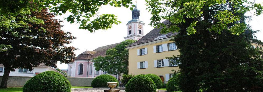 Kirche und Rathaus in Hilzingen